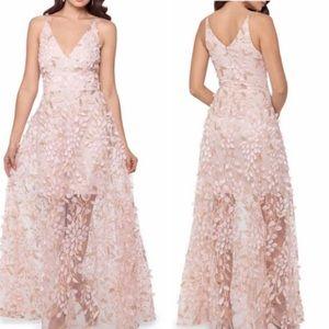 NWT Gianni Bini   Floral Applique Illusion Gown
